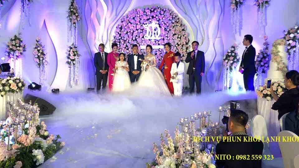 Dịch vụ phun khói lanh cho sự kiện đám cưới thịnh hành nhất hiện nay.