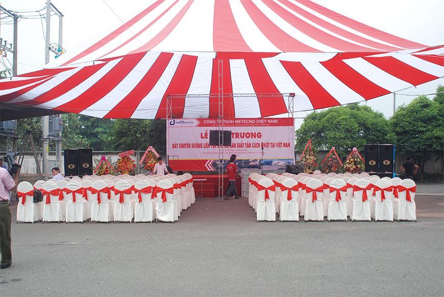 Cho thuê nhà dù đỏ trắng dù đường kính 22m, cho sự kiện lễ khai chương.