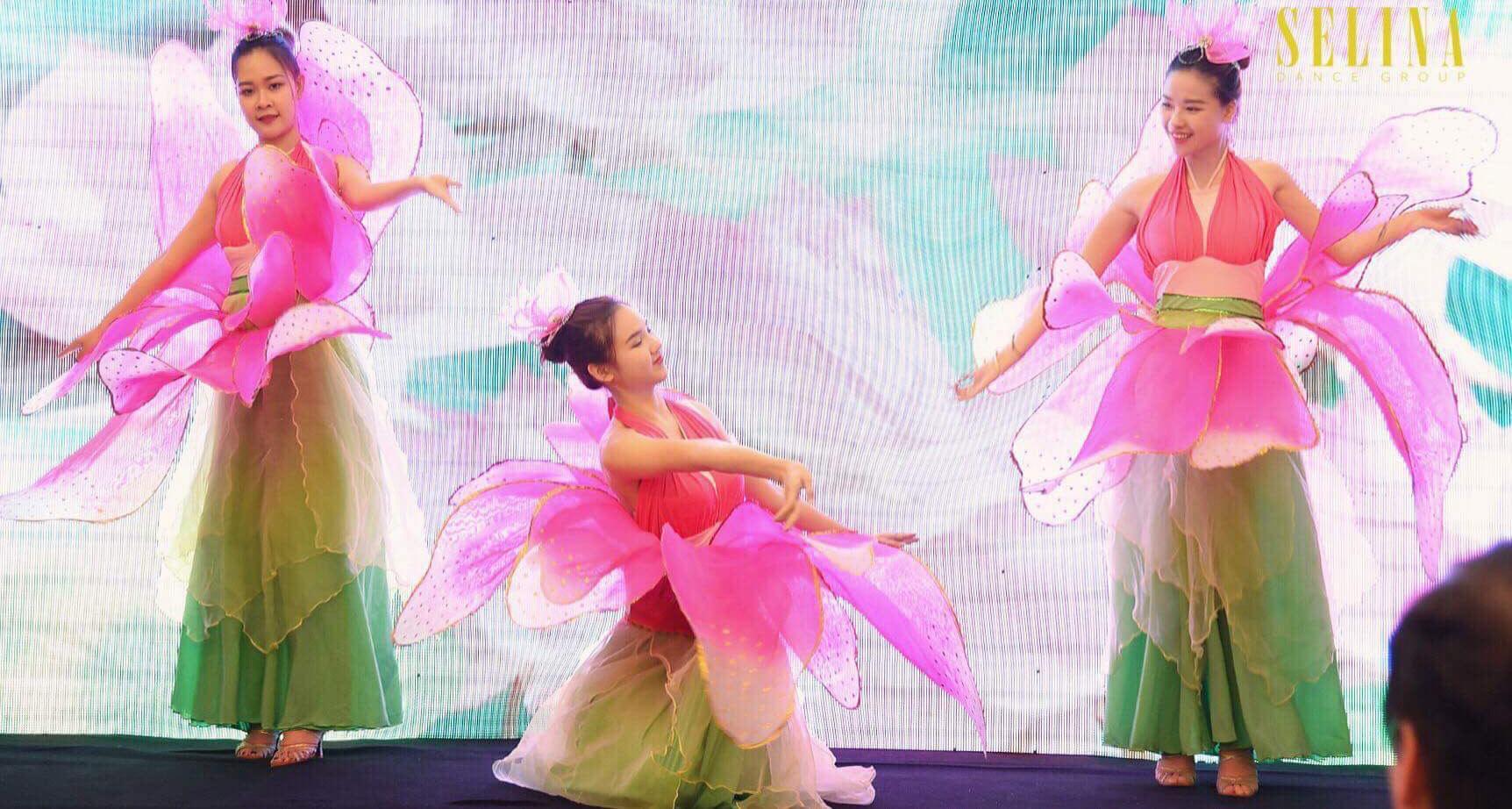 Cung cấp đọi múa hoa sen cho đại hội hội nghị