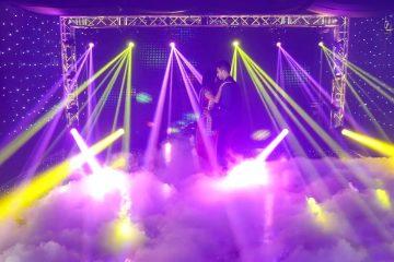 Máy tạo khói tạo hiệu ứng lung linh trên sân khấu
