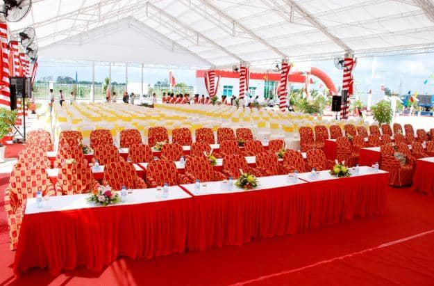 Dịch vụ cho thuê bàn ghế tổ chức sự kiện uy tín, giá thành rẻ