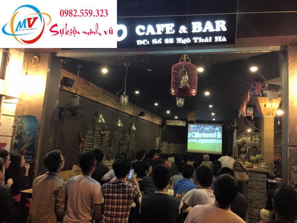 Cho thuê máy chiếu màn chiếu tại hà nội xem bóng đá